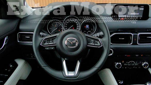 Prueba Mazda CX-5, volante