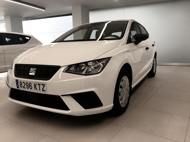 Seat Ibiza blanco- coches km 0
